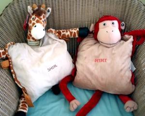 tummy-middle-giraffe-monkey