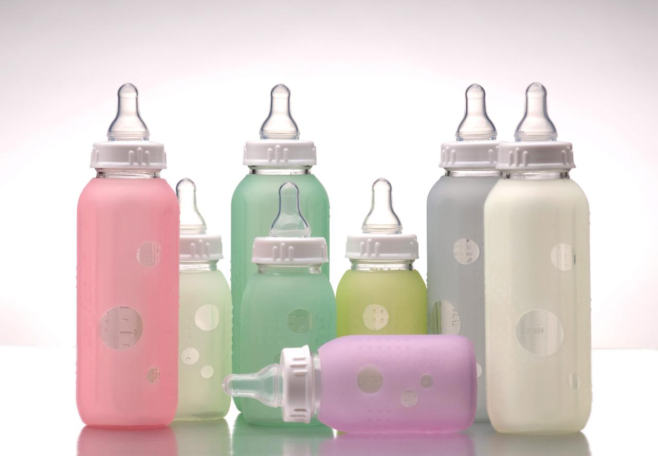 1 baby bottle